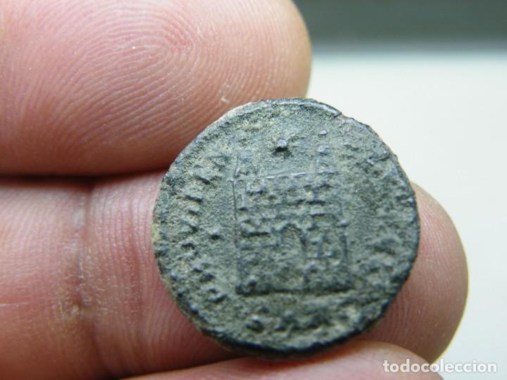 Monedas Imperio Romano: Constantino II-Cyzico-SMKr-Follis- a limpiar y catalogar (elcofredelabuelo) - Foto 3 - 271932928