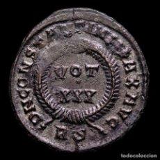 Monedas Imperio Romano: CONSTANTINO I 307-337 DC. - Æ FOLLIS ROMA VOT XXX EN CORONA / RS. Lote 277426168