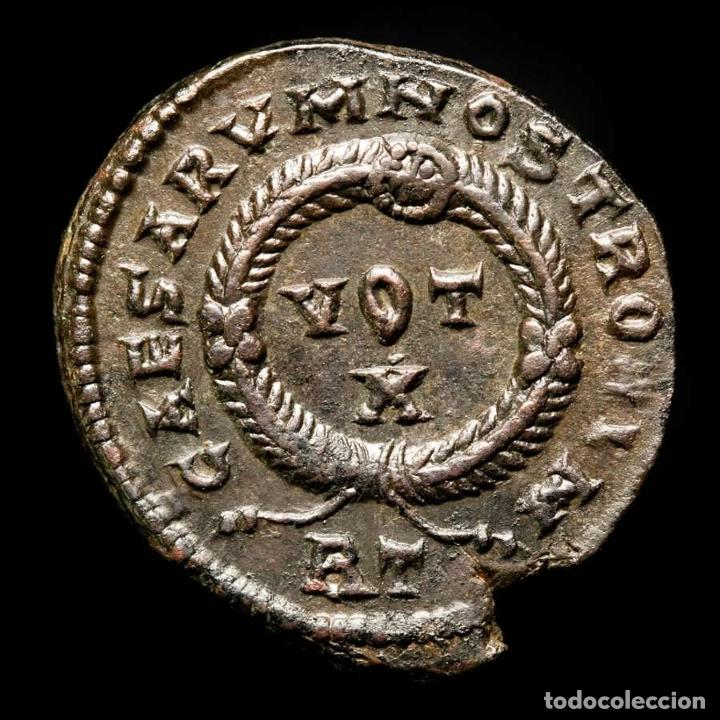 Monedas Imperio Romano: Constantino II, Follis. Roma. CAESARVM NOSTRORVM VOT X / RT (624) - Foto 2 - 278199198