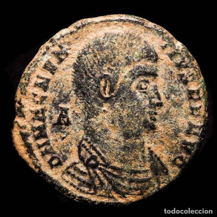 MAGNENCIO, MAIORINA, ACUÑADA EN ARLES, 352 DC. FSAR VICTORIAE DD NN (Numismática - Periodo Antiguo - Roma Imperio)