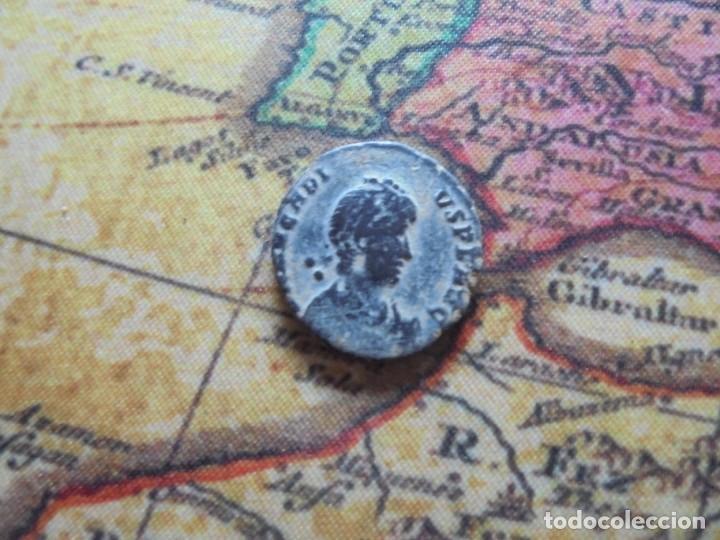 BONITA MONEDA DEL BAJO IMPERIO ,REVERSO ESCASO (Numismática - Periodo Antiguo - Roma Imperio)