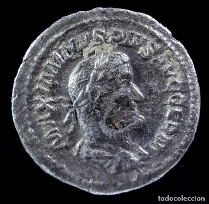 DENARIO DE MAXIMINO - VICTORIA GERM - 20 MM / 2.54 GR. (Numismática - Periodo Antiguo - Roma Imperio)