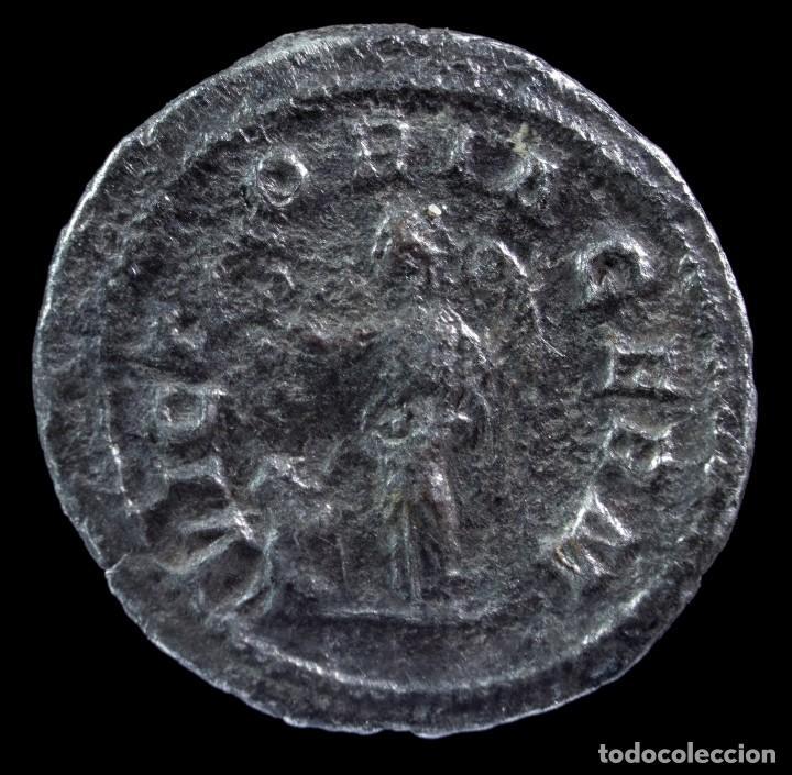 Monedas Imperio Romano: Denario de Maximino - VICTORIA GERM - 20 mm / 2.54 gr. - Foto 2 - 288551148