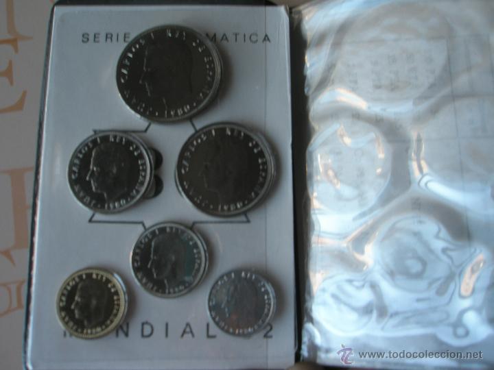 Monedas Juan Carlos I: CARTERA MONEDAS-SERIE NUMISMATICA-ESPAÑA-MUNDIAL ESPAÑA 82*80-ORIGINALES-. - Foto 8 - 39404174