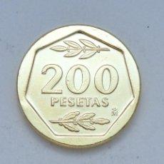 Monedas Juan Carlos I: ¡¡¡ 200 PESETAS DE JUAN CARLOS I DE 1986 BAÑADA EN ORO PURO DE 24 KILATES !!!. Lote 194497345