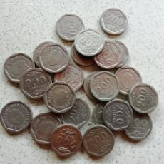 Monedas Juan Carlos I: LOTE DE 24 MONEDAS DE 200 PESETAS. NUEVAS Y SEMINUEVAS. Lote 137198022
