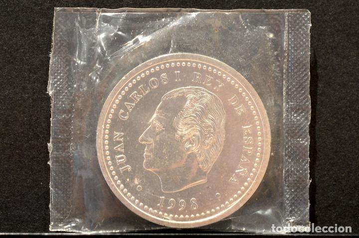 Monedas Juan Carlos I: 2000 PESETAS 1998 IV CENTENARIO DE FELIPE II PLATA ESPAÑA EN BOLSA ORIGINAL - Foto 2 - 117944207