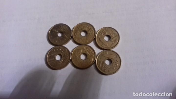 Monedas Juan Carlos I: Lote de monedas de 25 pesetas las monedas con agujero - Foto 4 - 165901290