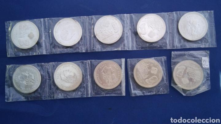 Monedas Juan Carlos I: 16 monedas de plata de 2000 pesetas ,Juan Carlos , 1998 felipe II - Foto 2 - 195084233