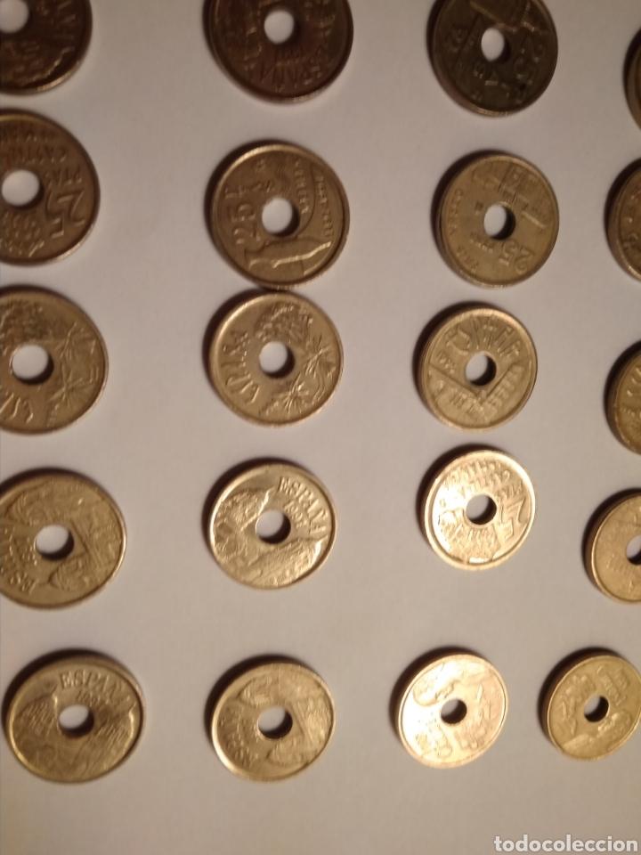 Monedas Juan Carlos I: 45 monedas de 25 pesetas década los 90. - Foto 5 - 210979256