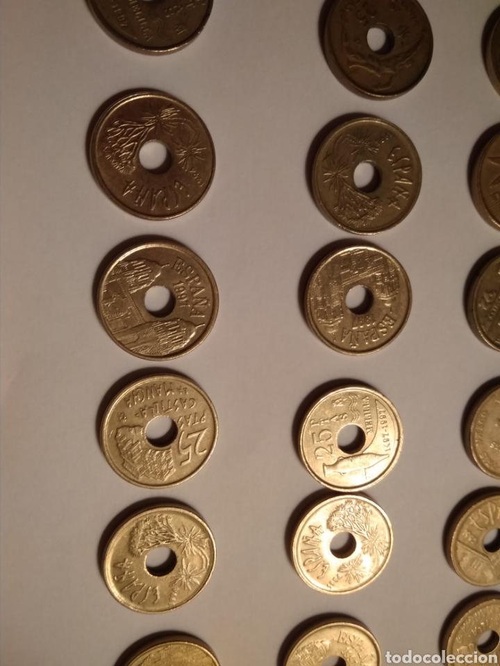 Monedas Juan Carlos I: 45 monedas de 25 pesetas década los 90. - Foto 6 - 210979256