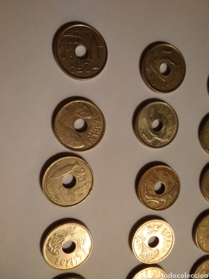 Monedas Juan Carlos I: 45 monedas de 25 pesetas década los 90. - Foto 7 - 210979256
