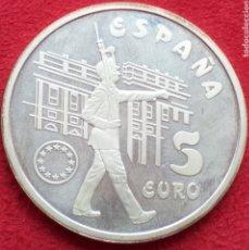 Monedas Juan Carlos I: ESPAÑA 5 EURO DE PLATA 1998 (GUARDIAS REALES). Lote 262598465