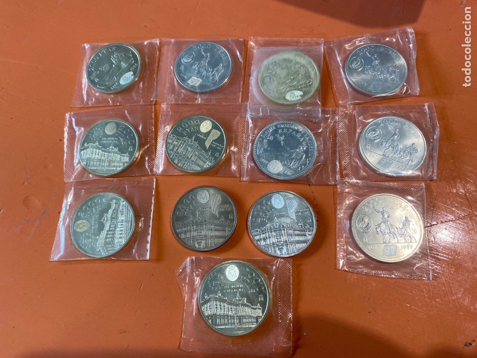 LOTE DE 13 MONEDAS DE PLATA ESPAÑOLA DE 2000 PESETAS (Numismática - España Modernas y Contemporáneas - Juan Carlos I)