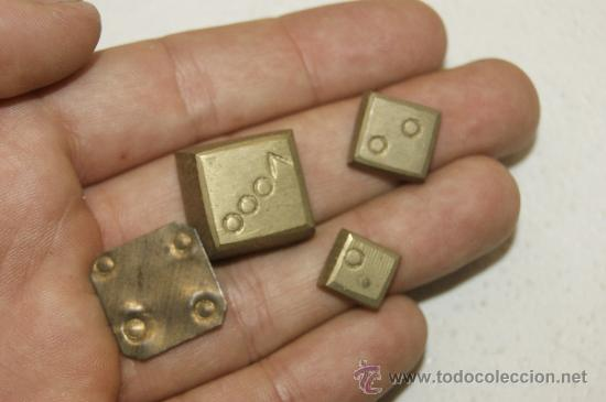 Monedas locales: Lote de 4 monedas ? o medidas ? en bronce, antiguas - Foto 2 - 38419615