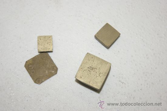 Monedas locales: Lote de 4 monedas ? o medidas ? en bronce, antiguas - Foto 3 - 38419615