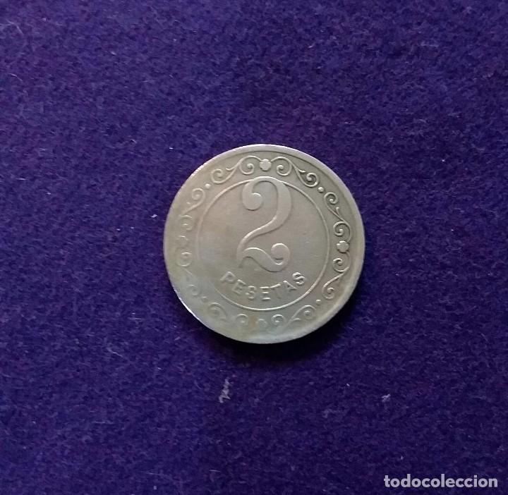 Monedas locales: FICHA ORIGINAL DE BARCELONA DE CAFE RESTAURANT TIVOLI. 2 PESETAS. - Foto 2 - 68723741