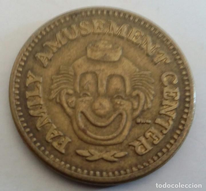 Monedas locales: FICHA DE JUEGO TOKEN. NO CASH VALUE. FAMILY AMUSEMENT CENTER - Foto 3 - 150522010