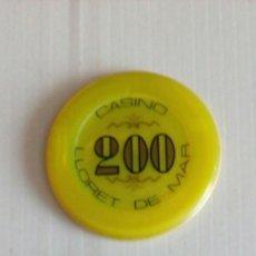 Monedas locales: DOS FICHAS DE 200 PESETAS CASINO D LLORET DE MAR Y GRAN CASINO BARCELONA. Lote 140860510
