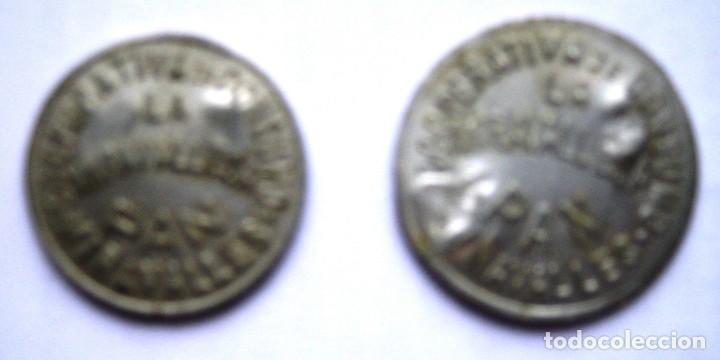 2 FICHAS COOPERATIVA DE CONSUMO. MIRAVALLES, VIZCAYA. 1 Y 2 KILOS. VASCO (Numismática - España Modernas y Contemporáneas - Locales y Fichas Dinerarias y Comerciales)