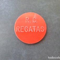 Monedas locales: FICHA CLUB DE REGATAS DE SANTANDER 100 PESETAS BINGO CASINO. Lote 176069513