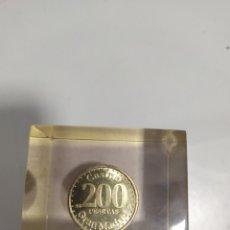 Monedas locales: ANTIGUA FICHA DE EL CASINO DE MADRID DE 200 PESETAS DE LA CASA DE MONEDA DE MADRID, EN METACRILATO. Lote 177961835