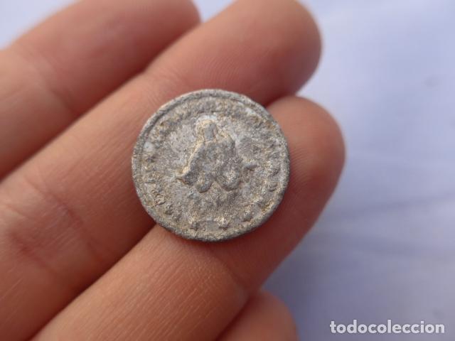 Monedas locales: * Antigua moneda o ficha a identificar. ZX - Foto 2 - 182329773