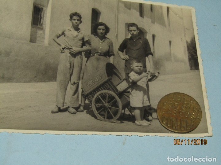 Monedas locales: Antigua Moneda y Fotografia VALE POR OTRA GASEOSA de Espumosos CON-GER en Meliana Valencia 1940-50s - Foto 5 - 183291867
