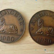 Monedas locales: LOTE DE 2 MEDALLAS DE BRONCE DE CONVENCION NUMISMATICA DE ALBACETE 1980.. Lote 200303251