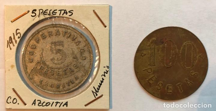 2 FICHAS DE COOPERATIVA CO Y SAN JOSE. AZCOITIA, GUIPÚZCOA. 5 Y 100 PESETAS (Numismática - España Modernas y Contemporáneas - Locales y Fichas Dinerarias y Comerciales)