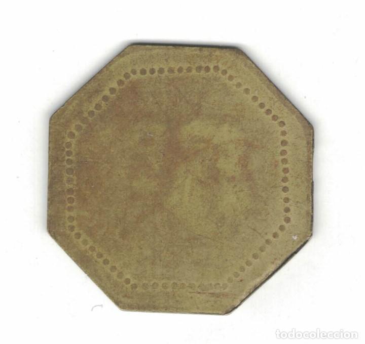 Monedas locales: Dos Fichas. 25 cent. Díam. 2,4 cm. Plateada y octogonal de 5 Ptas. F054 y F046 - Foto 4 - 185978546