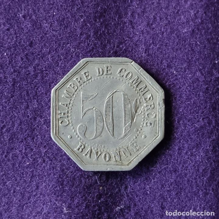 Monedas locales: FICHA MONEDA CAMARA DE COMERCIO DE BAYONA. 50 CENTIMOS. 1920. ALUMINIO. PAIS VASCO FRANCES. - Foto 2 - 209771432