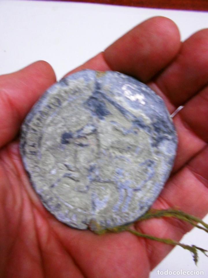 Monedas medievales: SELLO DE PLOMO REAL S. XV JUAN II DE CASTILLA 1408-1420. DIAMETRO 56 MM. - Foto 2 - 67954957