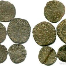 Monedas medievales: 5 MONEDAS MEDIEVALES, DOS ESTÁN PEGADAS. Lote 133676158