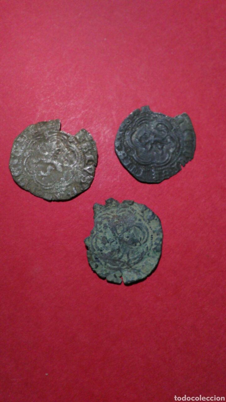 LOTE DE 3 BLANCAS MEDIEVALES. CECA DE SEVILLA. (Numismática - Medievales - Castilla y León)