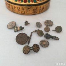 Monedas medievales: LOTE DE BOTONES Y GEMELOS MILITARES.. Lote 163738126