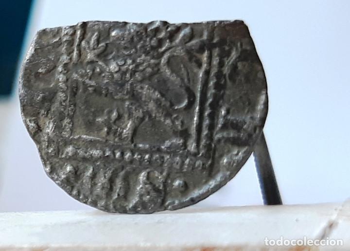 Monedas medievales: ENRIQUE II NOVEN VELLON DE LA CORUÑA. VENERA BAJO CASTILLO. ESCASA - Foto 3 - 170000224