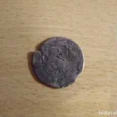 Monedas medievales: MONEDA MEDIEVAL CASTILLA Y LEÓN. TIENE UN CASTILLO Y UN LEÓN. PLATA. DESGASTE.. Lote 176905124