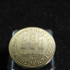 Monedas medievales: MONEDA DE REYES CATOLICOS MONARQUIA ESPAÑOLA BAÑO DE ORO PURO. Lote 207905792