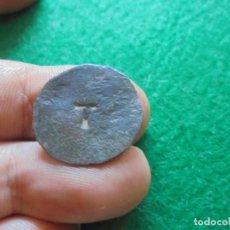 Monedas medievales: CURIOSA MONEDA MEDIEVAL CON UNA V RESELLADA. Lote 215872597