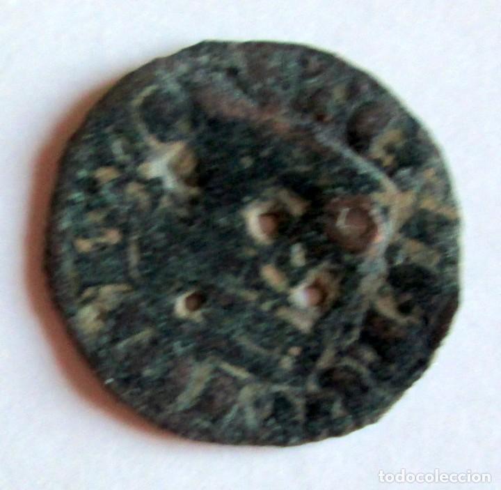 DINERO USADO COMO BOTON (Numismática - Medievales - Castilla y León)