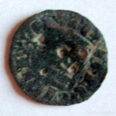 Monedas medievales: DINERO USADO COMO BOTON. Lote 221271476