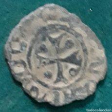 Monedas medievales: MONEDA FERNANDO V DINERO DE COBRE NAVARRA G CRUZ CON TRÍPODE. Lote 234748125