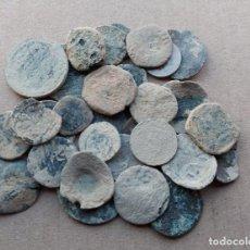 Moedas medievais: LOTE DE 30 MONEDAS ANTIGUAS PARA LIMPIAR E IDENTIFICAR. Lote 238213875