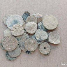 Monedas medievales: LOTE DE 30 MONEDAS PARA LIMPIAR E IDENTIFICAR. Lote 243564770