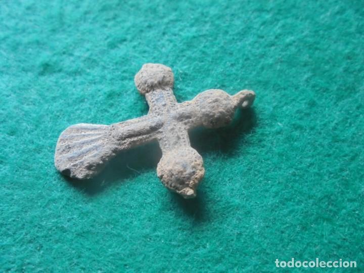 Monedas medievales: Bonita cruz medieval en bronce , siglo XII-XV - Foto 2 - 261980625