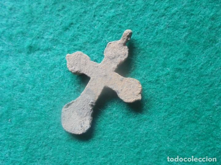 Monedas medievales: Bonita cruz medieval en bronce , siglo XII-XV - Foto 3 - 261980625