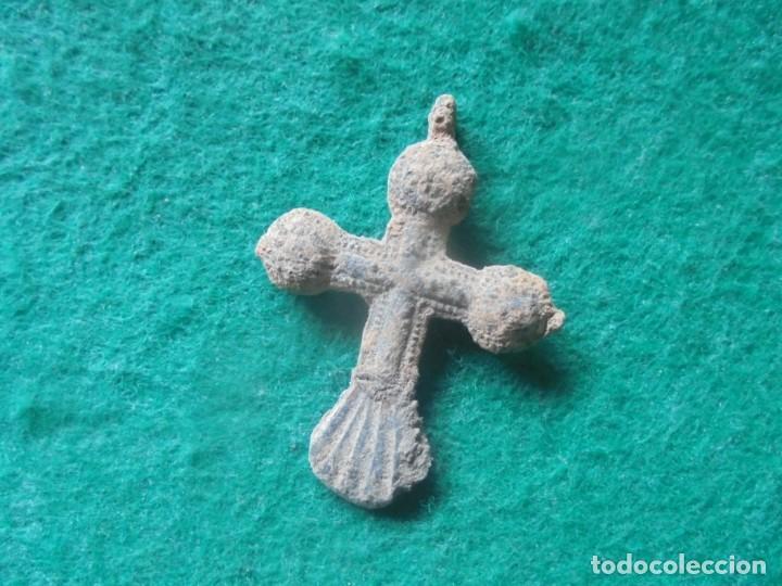 Monedas medievales: Bonita cruz medieval en bronce , siglo XII-XV - Foto 4 - 261980625
