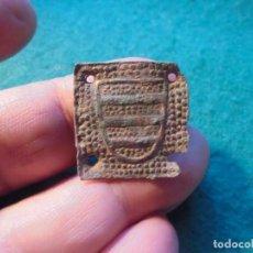 Monedas medievales: BONITO APLIQUE MEDIEVAL CON DECORACION, UN ESCUDO NOBILIARIO. Lote 287163038