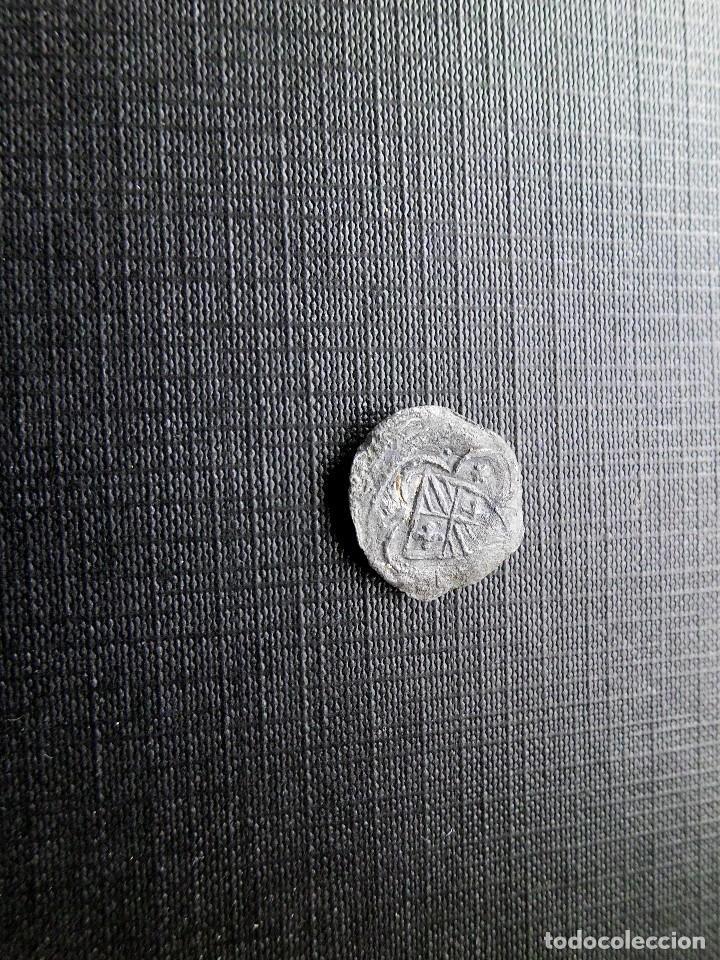 PLOMILLO MEDIEVAL CON ESCUDO CATALÁN (Numismática - Medievales - Cataluña y Aragón)